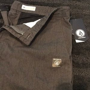 Volcom true to this men's relaxed fit shorts